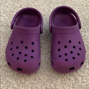 Kids purple crocs, size 8